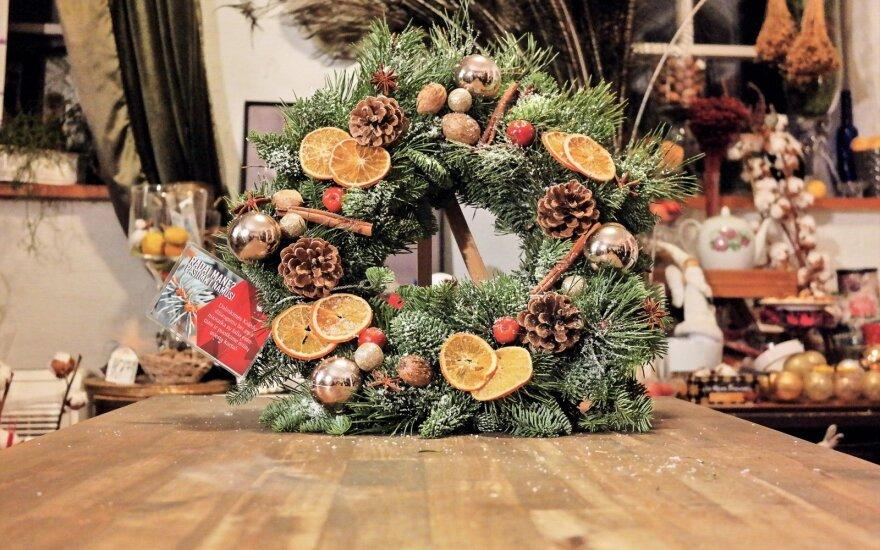 Vilniečiai ir miesto svečiai kviečiami į kalėdinių vainikų paiešką