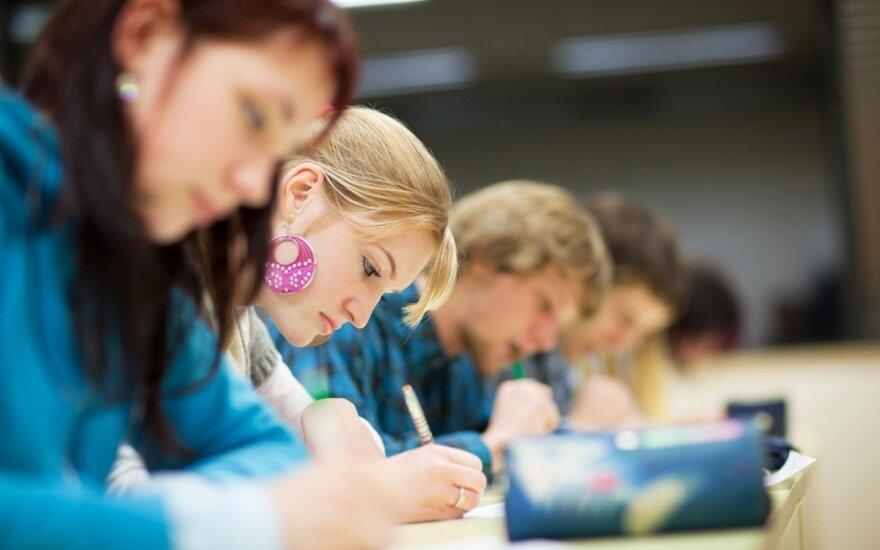 Buvęs LMTA studentas: po egzamino kursiokas lydėjo, kad nepulčiau po ratais...