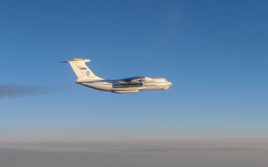 Oro policijos naikintuvai dukart lydėjo Rusijos karinius orlaivius