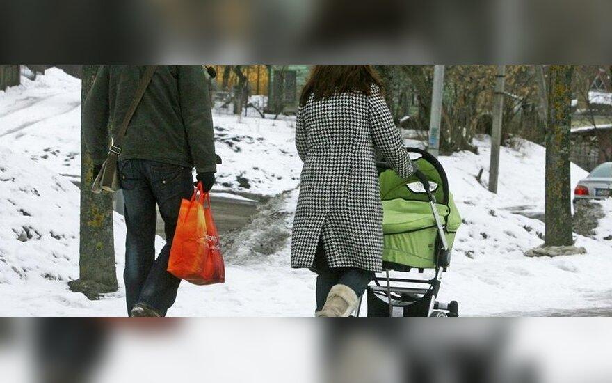 Nauja motinystės pašalpų tvarka verčia mamas atsisakinėti nėštumo atostogų