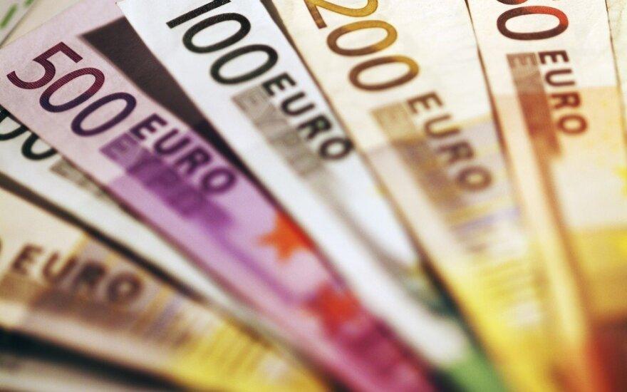 Kiek pagrįsti nuogąstavimai, kad euras – ant žlugimo ribos?