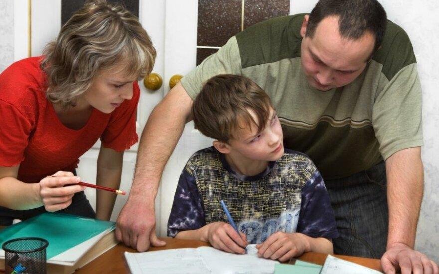10 patarimų tėvams, kurių vaikai tingi mokytis