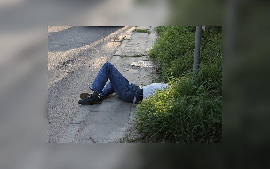 A.Kubilius: mirčių nuo alkoholio padaugėjo liberalizavus prekybą alkoholiu