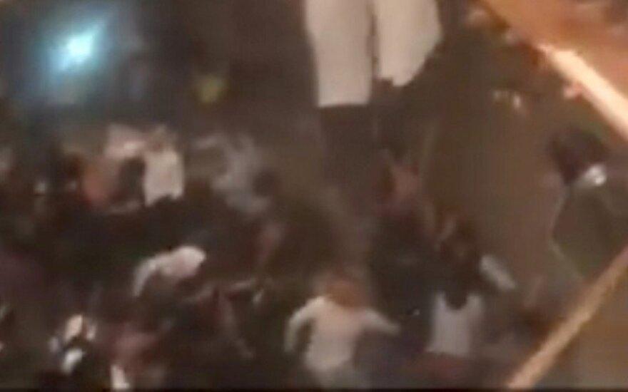 JAV universitete per vakarėlį įgriuvus grindims nukentėjo 30 žmonių