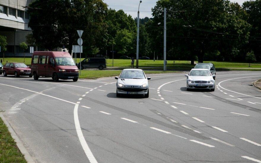 Keisis eismo tvarka vienoje intensyviausių sostinės žiedinių sankryžų
