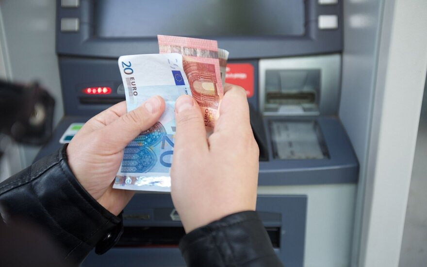 Latvian bank starts charging for Lithuanian deposits