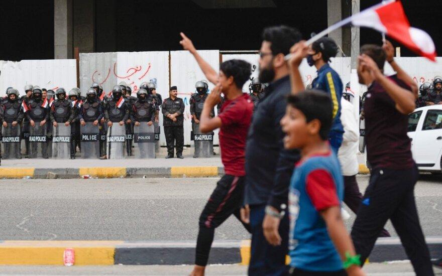 Pietų Irake nušauti keturi protestuotojai