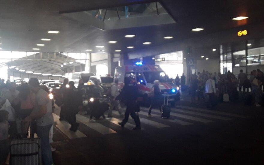 Evakuojamas Vilniaus oro uostas / Skaitytojo Mindaugo nuotr.