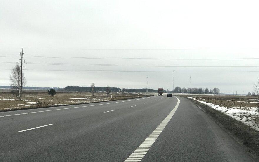 "Andrejevas: įšaldant lėšas keliams, teks pamiršti ""Via Baltica"" ir kitus projektus"
