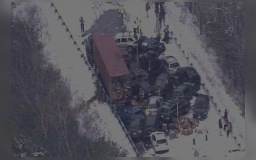 50-100 automobilių avarija, foxnews.com info