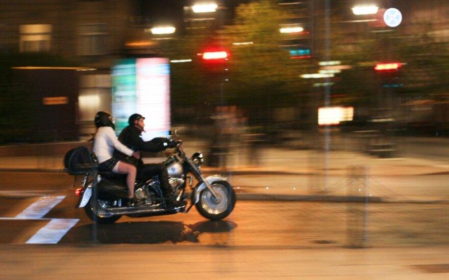 """Prabangos mokestis – """"bet kuriai senutei """"britvai"""", bet ne visiems """"Harley Davidson"""""""