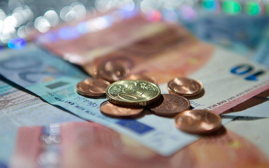 Atskleidė, kaip moka mokesčius: nelieka laiko, pinigų ir nuotaikos