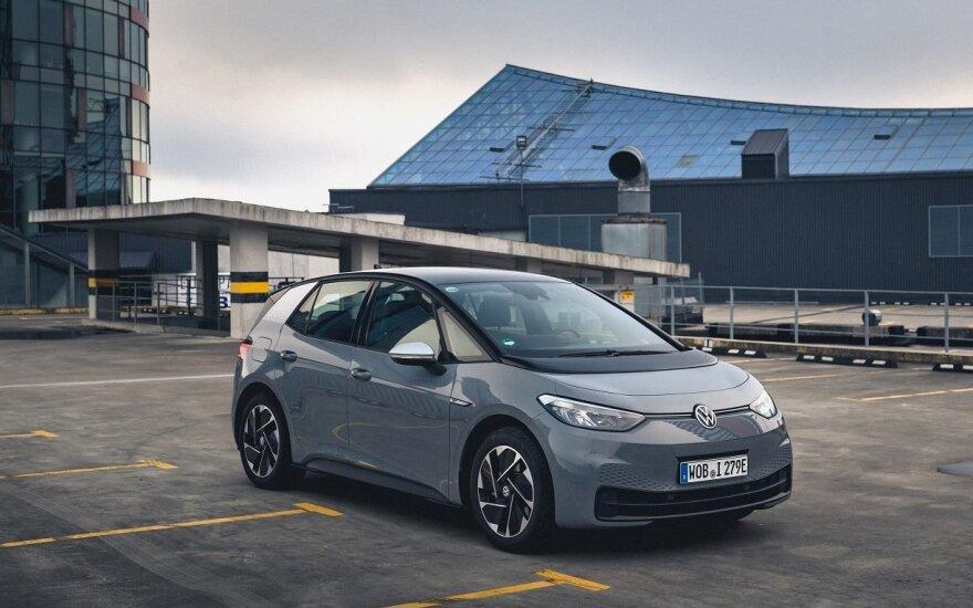 """Gera žinia elektromobilių gerbėjams: Lietuvoje jau galima užsisakyti """"Volkswagen ID.3"""""""