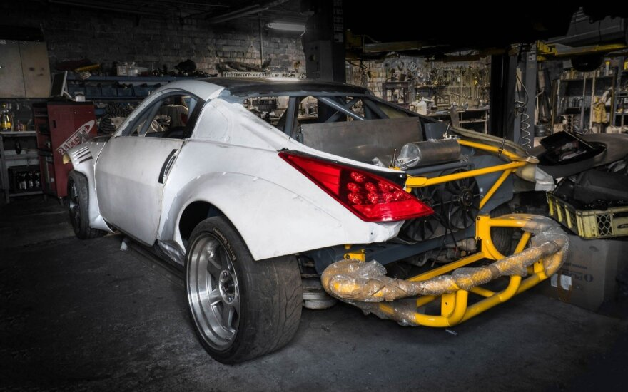 "Lietuvos drifto čempionatui ruošia ""Nissan 350Z"""