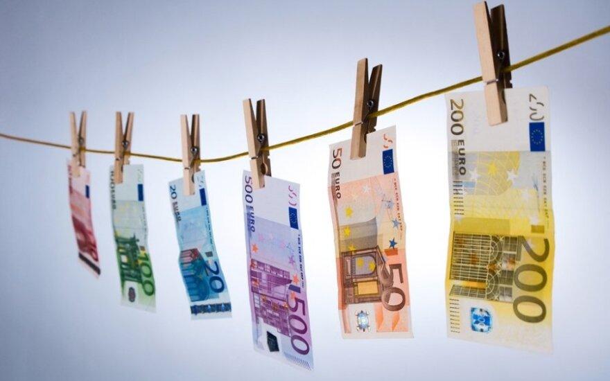 Vasarį metų infliacija euro zonoje siekė 0,7 proc.