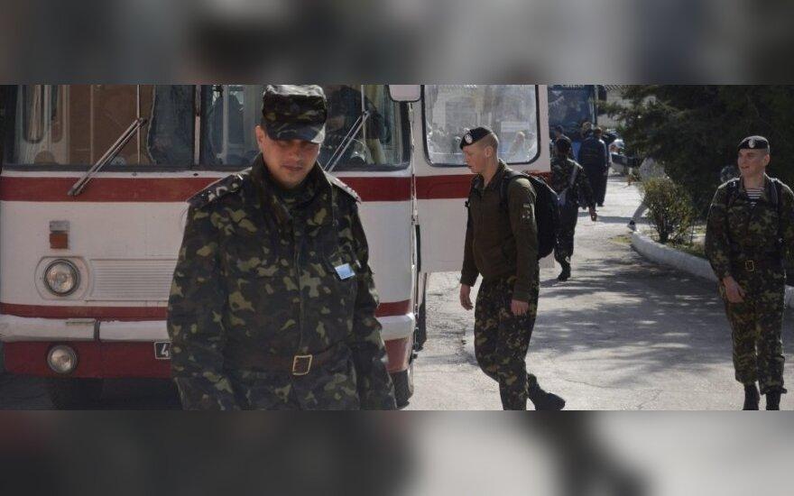 Ukrainiečių karių realybė Kryme: badauja, miega po atviru dangumi ir neturi pinigų išvažiuoti
