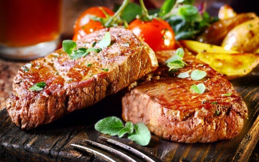 Ar dėl planetos tausojimo galėtumėte atsisakyti mėsos kepsnio bent vieną dieną per savaitę?