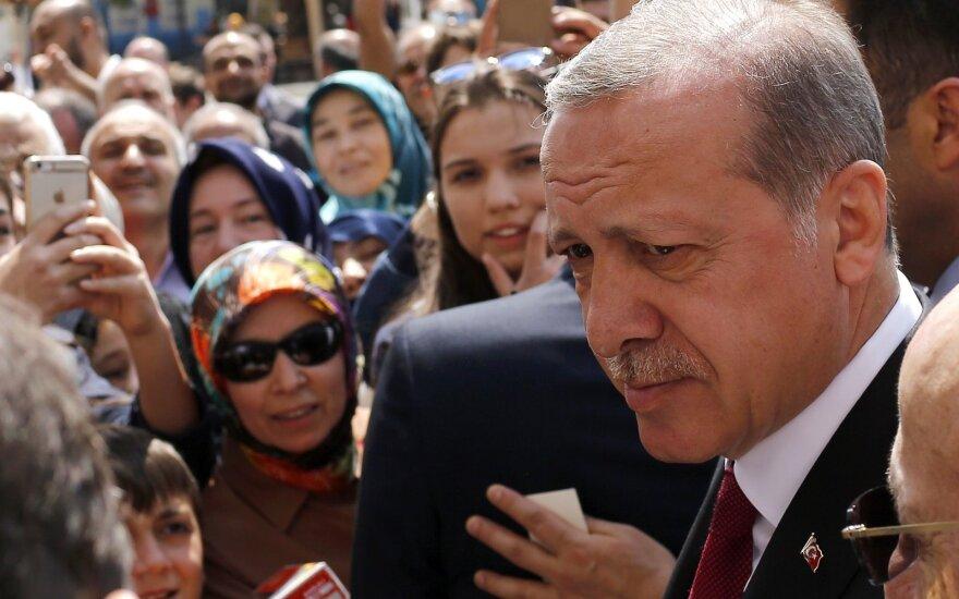 Turkijos prezidentas ir ES vadovai susitinka taisyti santykių