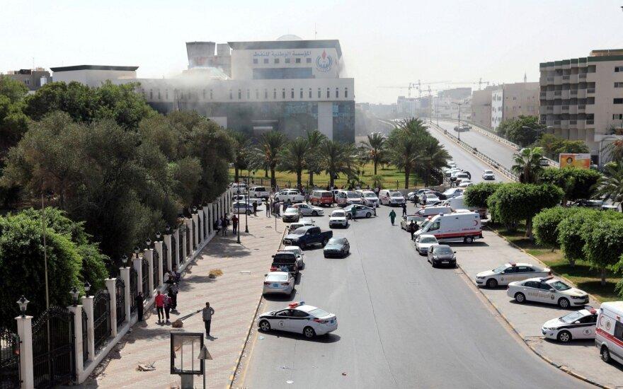Tripolyje ginkluoti užpuolikai šturmavo naftos bendrovės būstinę