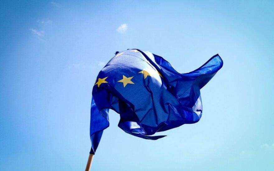 """""""Moody's"""" pakeitė ES šalių reitingo perspektyvą"""