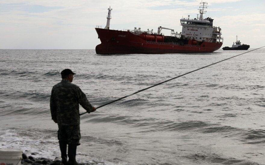 Tanklaivis prie Kipro krantų