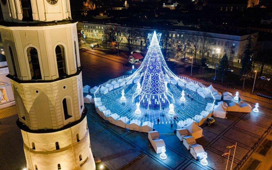 Vilniaus Kalėdų eglė ir toliau skina laurus: gražiausių eglučių sąraše aplenkė visas Europos sostines
