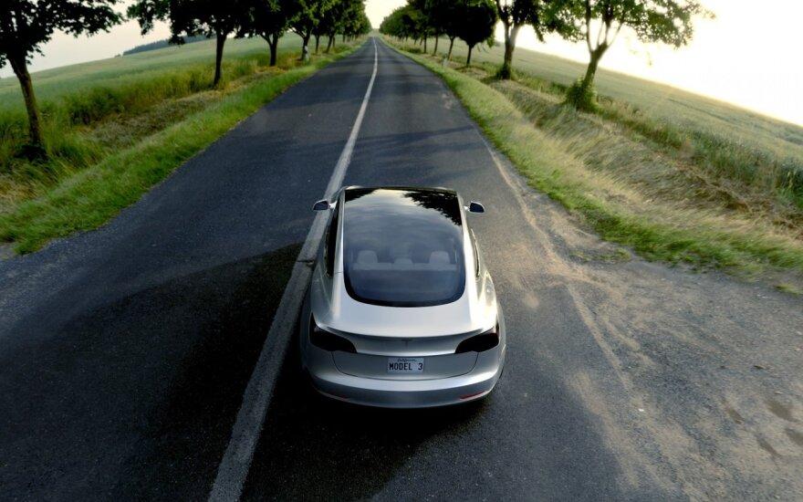 """Tesla Model 3"""""