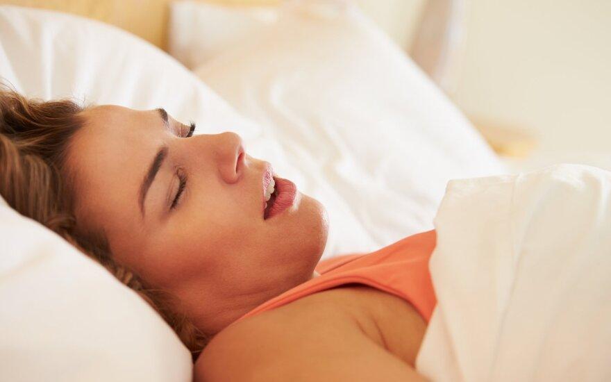 Ką signalizuoja naktimis užgulta nosis ir kvėpavimas pro burną