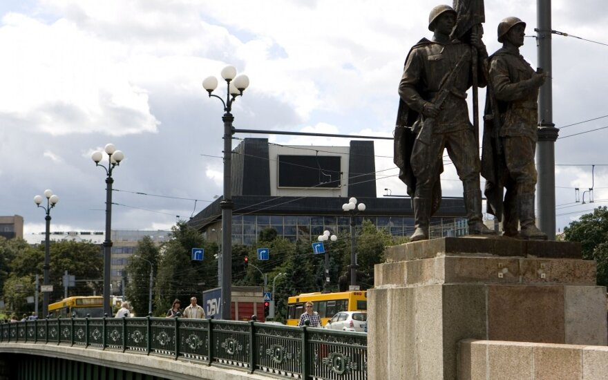 The statues were removed from the Green Bridge last summer