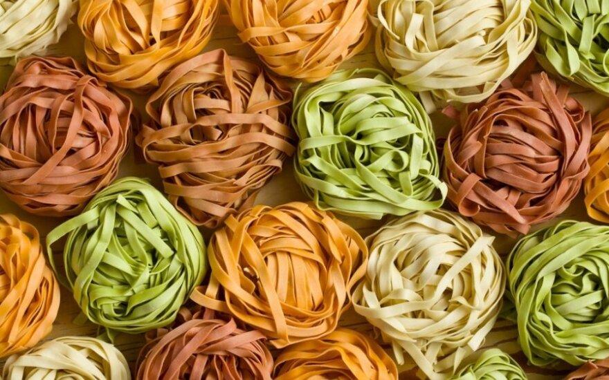 Naminiai spalvoti makaronai