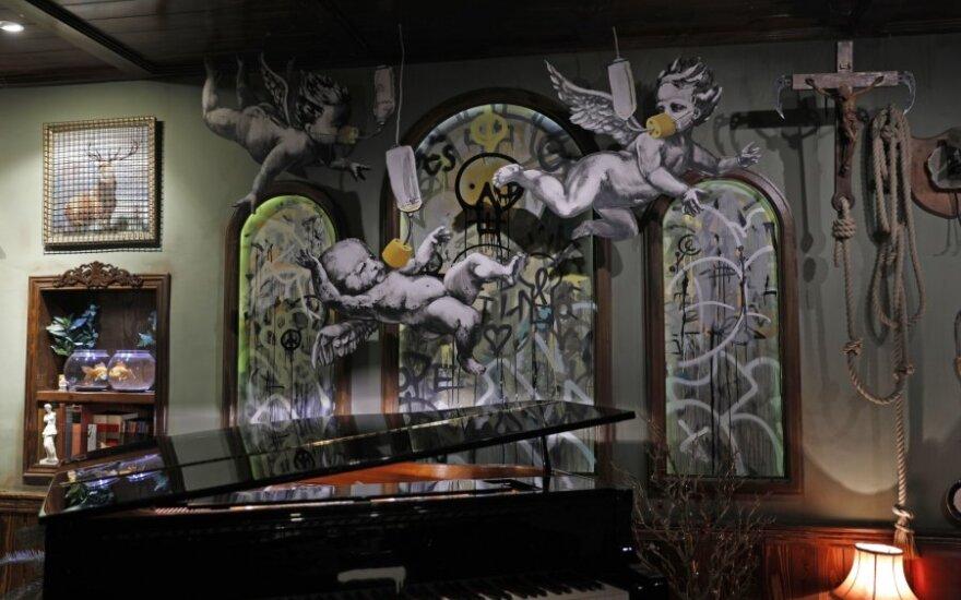Betliejuje menininkas Banksy pristatė naują distopinę prakartėlę