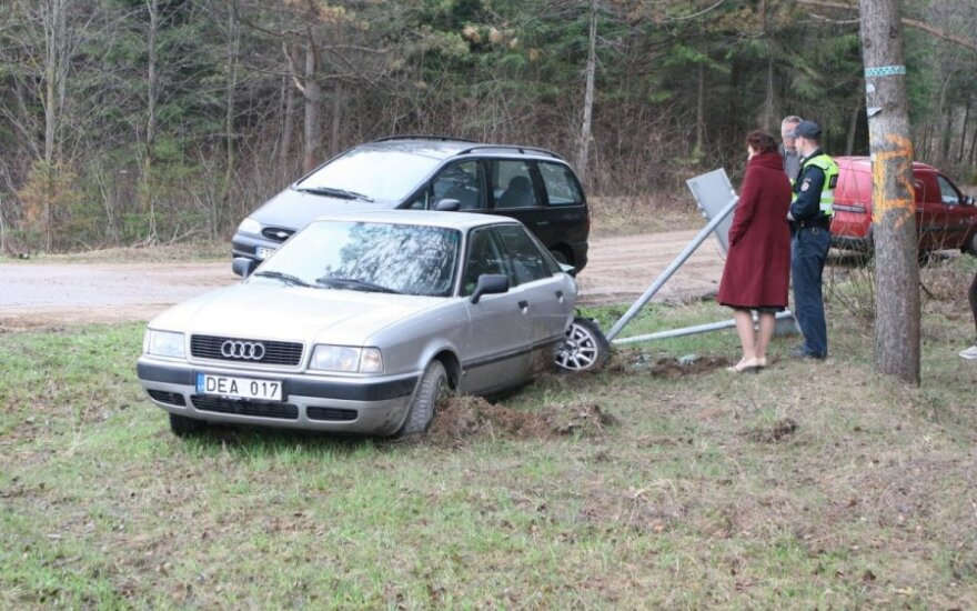 Kelyje Vilnius-Trakai per avariją sužalota moteris