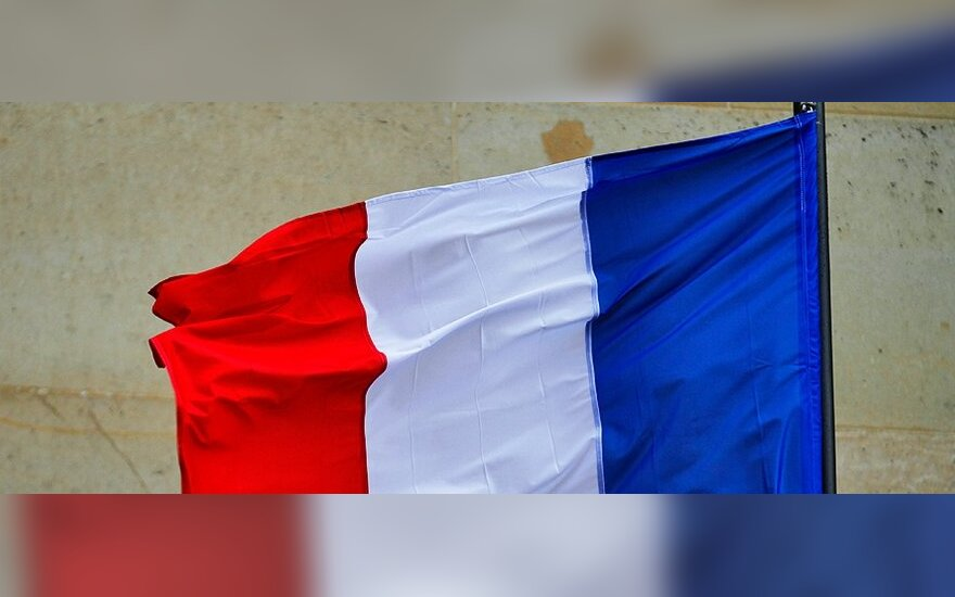Prancūzijoje nukrito nedidelis lėktuvas