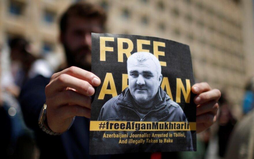 Gruzijoje pagrobtas tremtyje gyvenantis azerbaidžaniečių žurnalistas