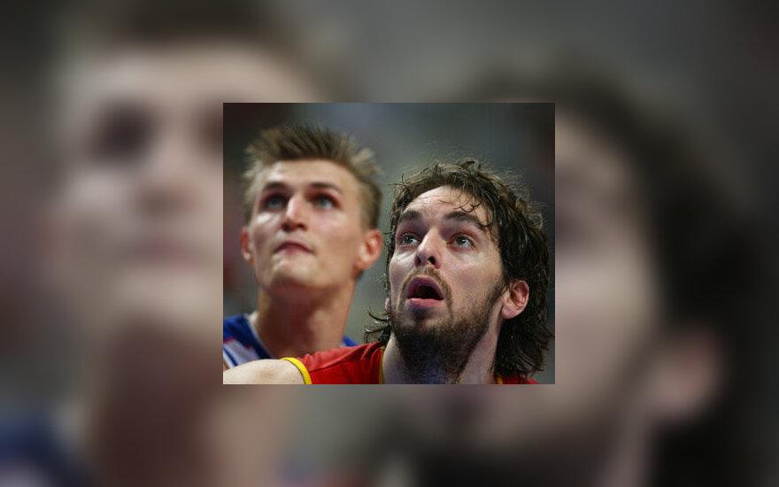Andrejus Kirilenko ir Pau Gasolis