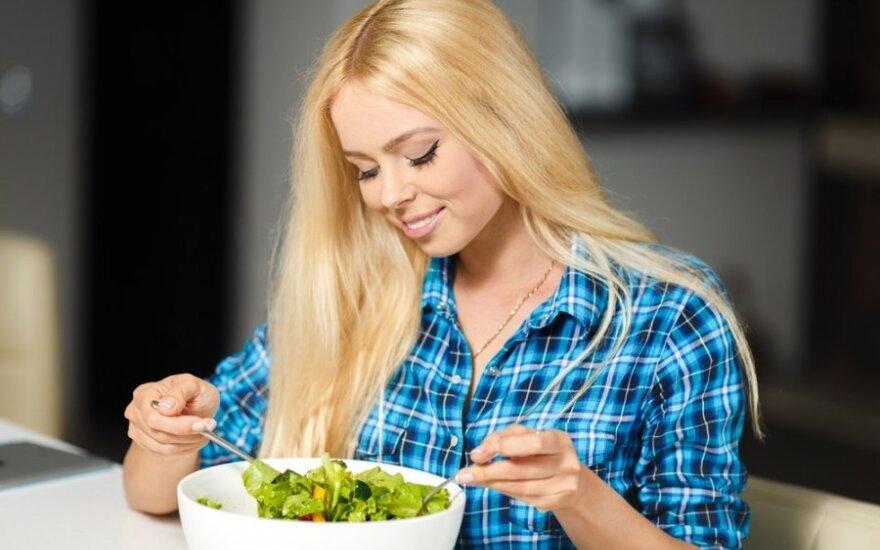 Vasaros dietos: kaip sulieknėti valgant uogas, vaisius ir daržoves?