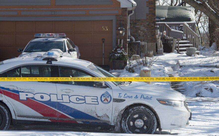 Serijinį žudiką atskubėjusi suimti policija nustėro: prie lovos pririštas merdėjo dar gyvas vyras