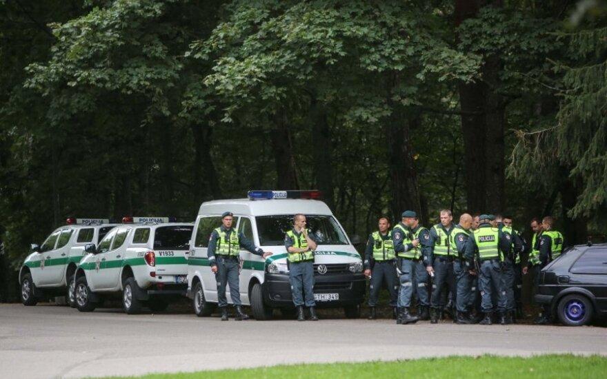 Triukšminga rugsėjo 1-oji: tėvams teko iš policijos parsivežti girtus vaikus