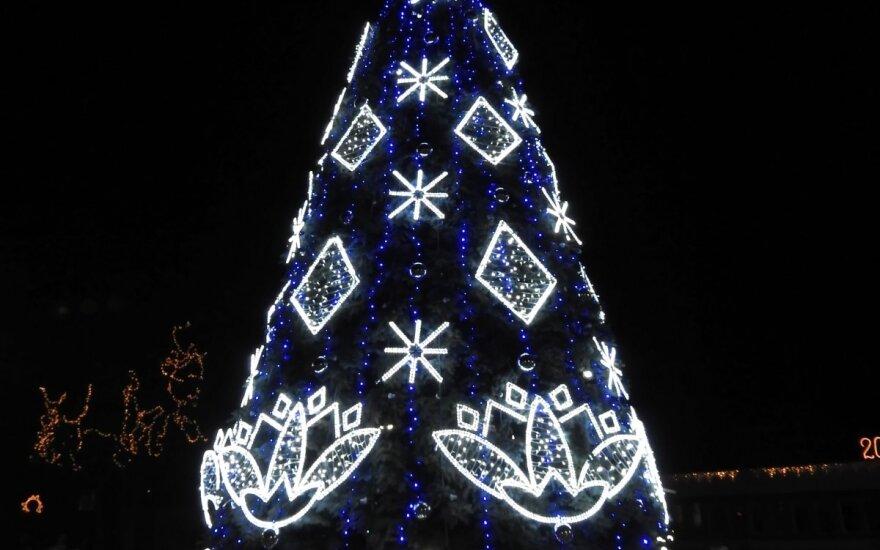 Ignalinoje įžiebta Kalėdų eglė