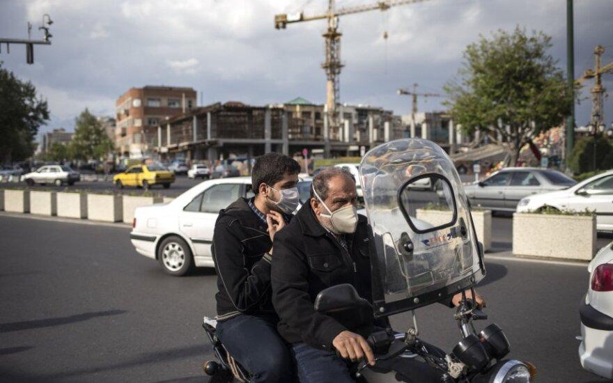 Valstybinė televizija: Irane kas septynias minutes miršta COVID-19 užsikrėtęs žmogus