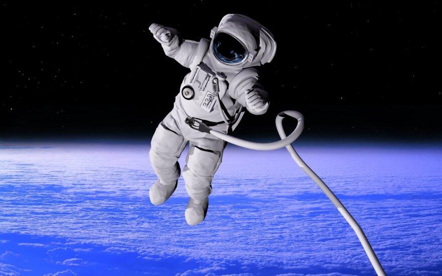 Rusų kosmonautai atvykę į JAV laikysis 14 dienų karantino