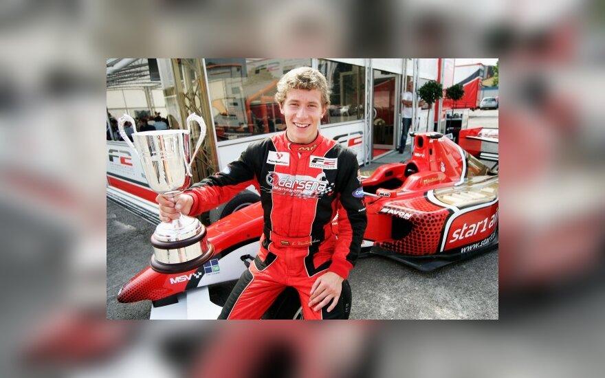 Kazimieras Vasiliauskas laimėjo F-2 lenktynes