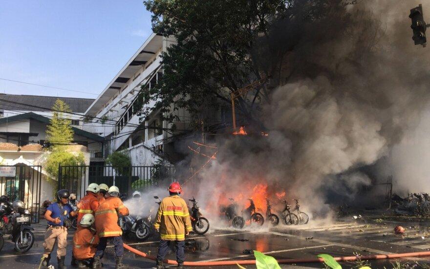Policijos būstinėje Indonezijoje driokstelėjo sprogimas, esama nukentėjusiųjų