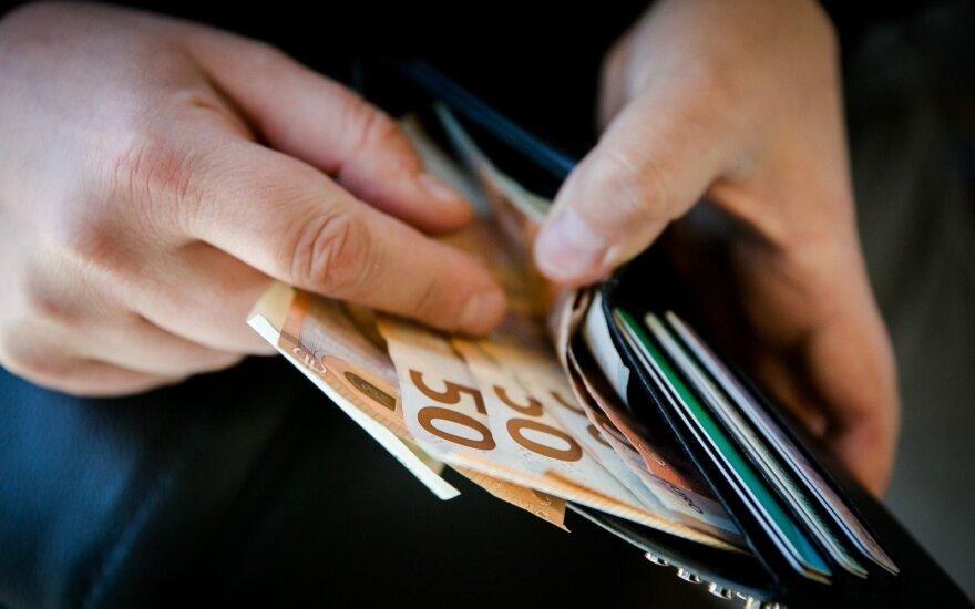 Estijoje samdomų darbuotojų atlyginimai pernai padidėjo 6,8 proc.