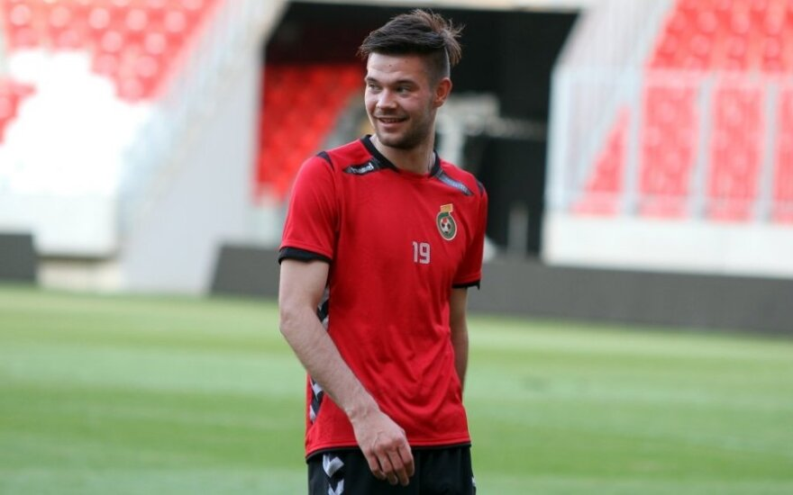"""L. Spalvis su """"Aalborg BK"""" klubu Danijos futbolo pirmenybėse pakilo į trečią vietą"""