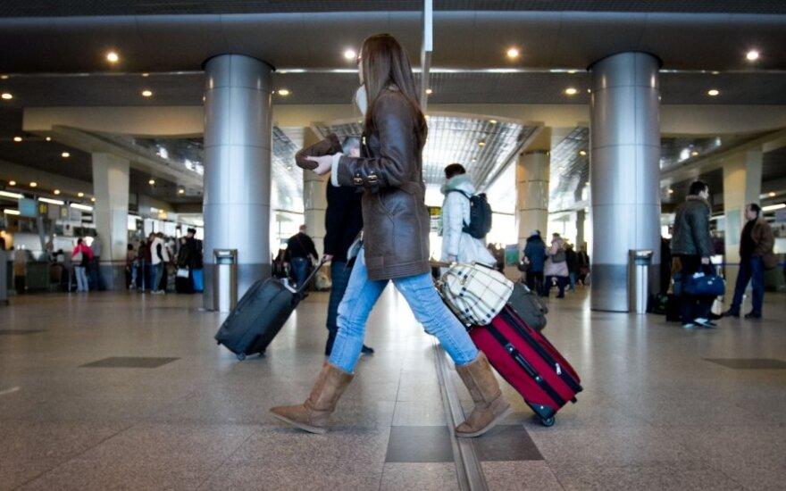 Apklausa: emigruodamos moterys vaikus pasiimtų kartu, vyrai paliktų Lietuvoje