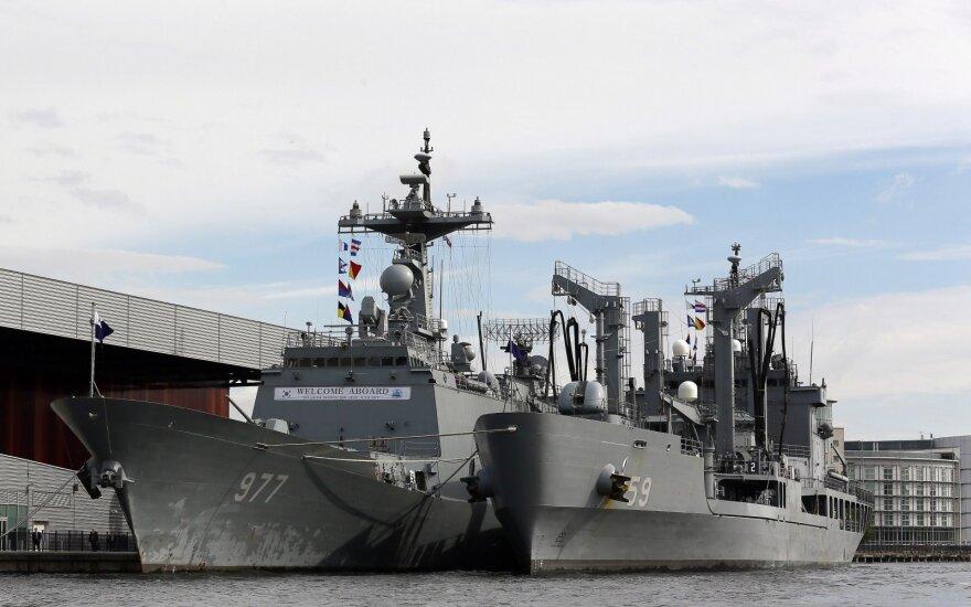 Pietų Korėjos karinis laivynas pradėjo pratybas netoli ginčytinos jūrinės sienos