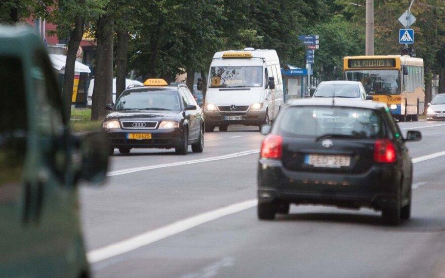 Lendantiems į autobusų juostas nepatiks naujas policijos sumanymas