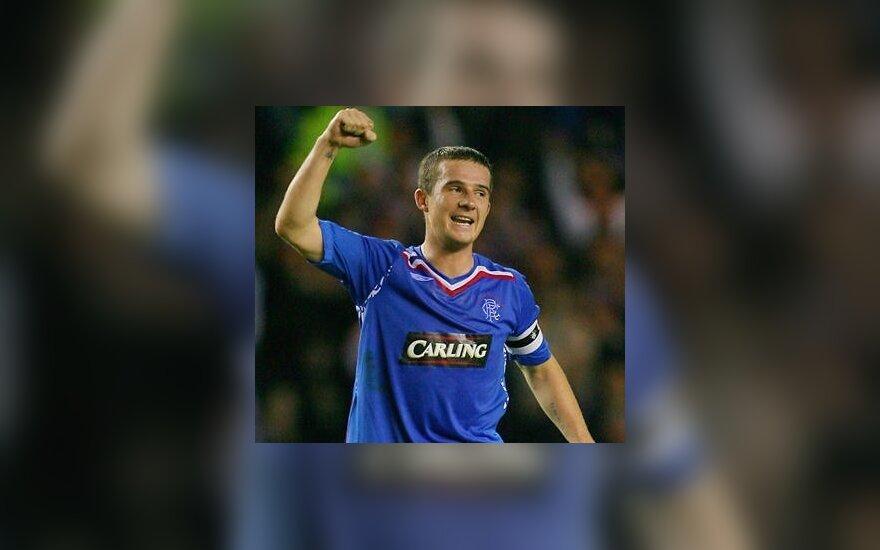 Škotai iš rinktinės išmetė du futbolininkus