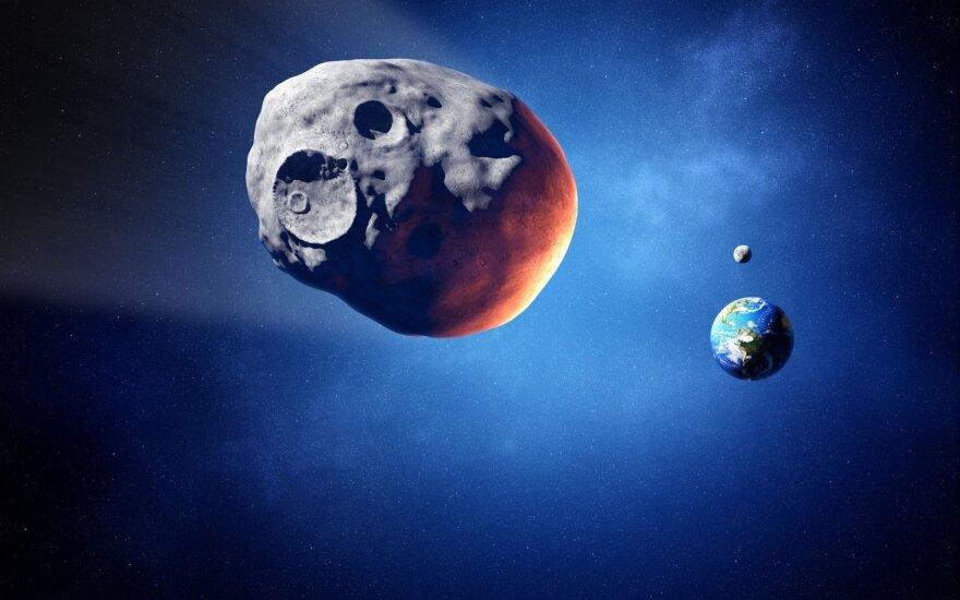 Arti Žemės praskries asteroidas – kosminė uola